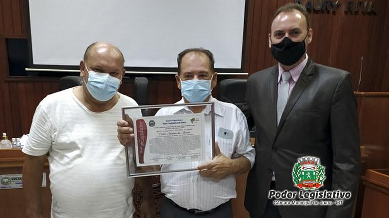 Câmara prestou homenagem ao ex-vereador e primeiro Presidente, Carlinhos Dentista.