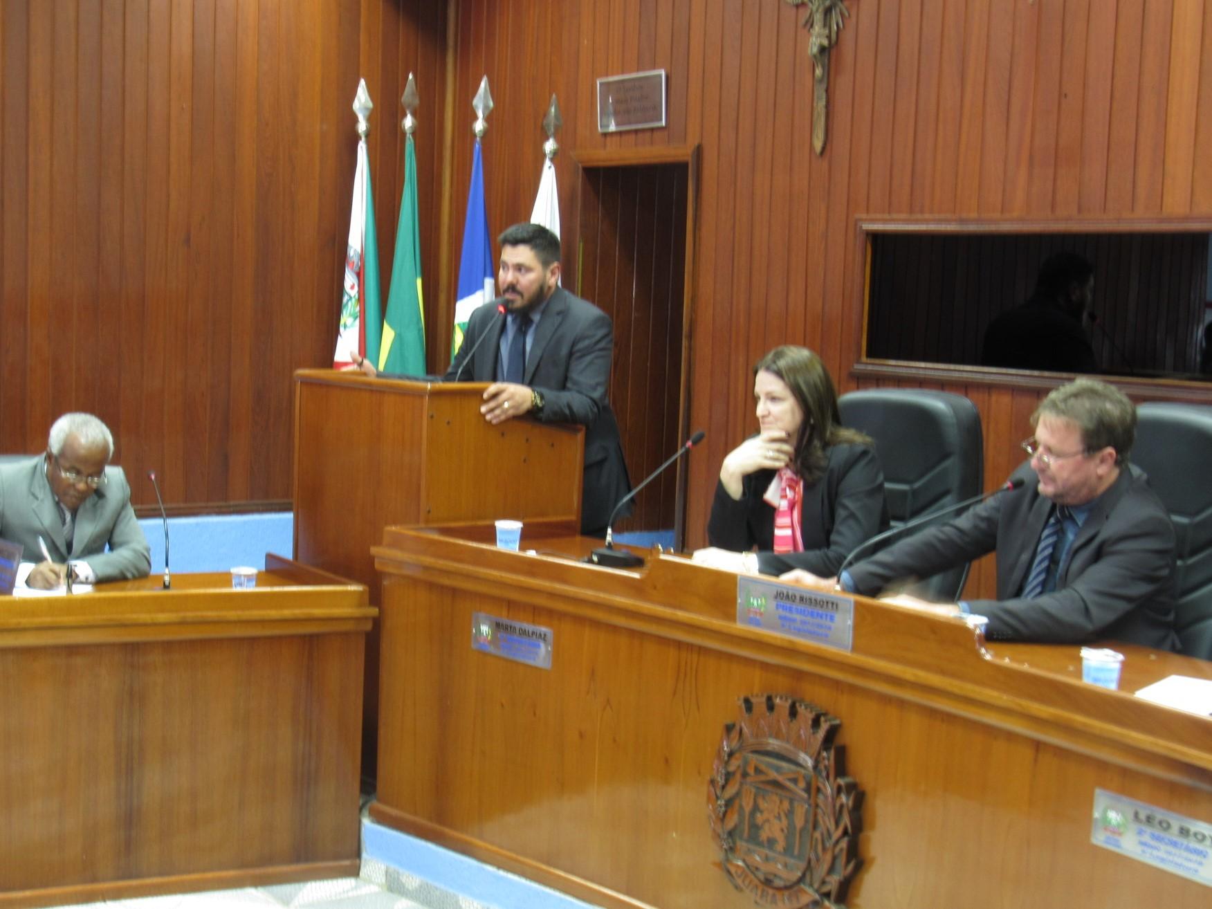 Prefeita de Juara solicita leitura na íntegra do processo que apura denúncias na sua administração.